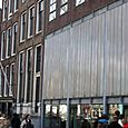 Anne_frank_building_in_middle
