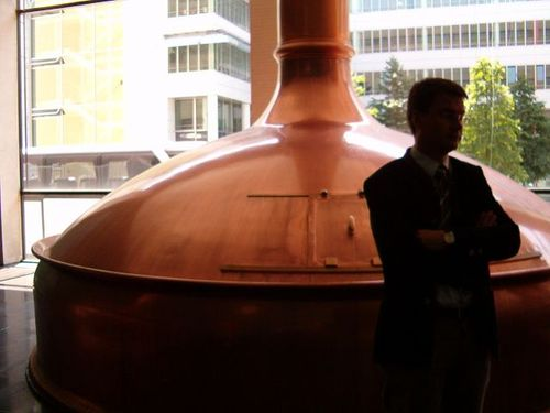 Copper_vats_with_brew_master